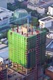 Vue à l'horizon et un gratte-ciel en construction dans Bangk Images libres de droits