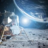 Vue à la terre de planète de la surface b de lune Éléments de cette image meublés par la NASA photographie stock libre de droits