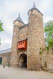 Vue à la vieille porte Helpoort vers Maastricht - les Pays-Bas Photographie stock libre de droits