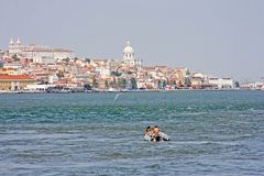 Vue à Lisbonne avec le Tagus Images libres de droits