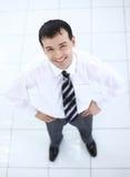 Vue à partir du dessus : portrait d'homme d'affaires de sourire Image libre de droits