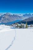 Vue à plus brut, à Kleiner Mythen, lac Lucerne et Rigi de station de sports d'hiver de Klewenalp Images stock
