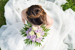 Vue élevée d'une jeune mariée image stock
