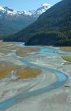 Vue élevée de position de fleuve de montagne Photographie stock libre de droits