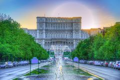 Vue étonnante du bâtiment du Parlement à Bucarest image libre de droits
