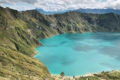 Vue étonnante du lac de la caldeira de Quilotoa Photos stock