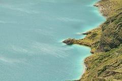 Vue étonnante du lac de la caldeira de Quilotoa Photo libre de droits