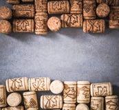 Vue étroite de lièges naturels de vin Photographie stock libre de droits