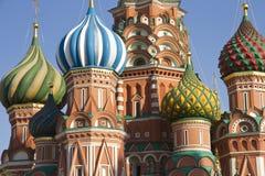 Vue étroite du saint Basil Church Image stock