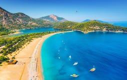 Vue aérienne étonnante de lagune bleue dans Oludeniz, Turquie Photographie stock
