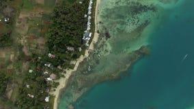 Vue aérienne aérienne de côte avec de l'eau la plage de sable et transparent de l'Océan Indien, île de Mauriticus banque de vidéos