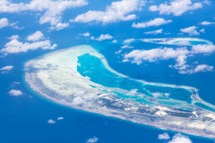 Vue aérienne - atolls de corail, Maldives Images stock