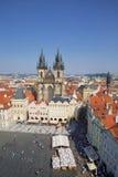 Vue aérienne au-dessus d'église de notre Madame avant Tyn à la vieille place à Prague, Photographie stock libre de droits
