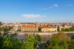 Vue aérienne au-dessus d'église de notre Madame avant Tyn à la vieille place à Prague, République Tchèque Photographie stock libre de droits