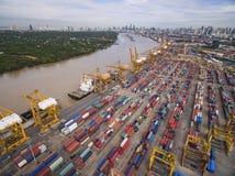 Vue aérienne au-dessus de chantier de construction navale de Bangkok Photos stock