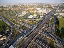 Vue aérienne au-dessus de l'autoroute urbaine et du Ring Road Images libres de droits