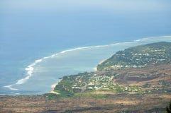 Vue aérienne au-dessus de la côte de l'Océan Indien chez Les Colimatons Les Hauts chez Reunion Island, d'outre-mer français photographie stock libre de droits