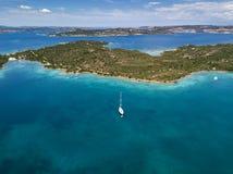 Vue aérienne au-dessus de La Maddalena images libres de droits