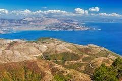 Vue aérienne au-dessus des montagnes photos stock