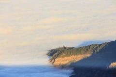 Vue aérienne au-dessus des nuages Photo stock