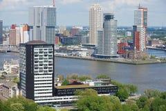 Vue aérienne aux bâtiments modernes à Rotterdam, Pays-Bas Photos stock