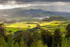 Vue aérienne vers l'île de San Miguel Images stock