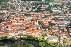 Vue aérienne colorée sur la ville médiévale Pisek au-dessus de la rivière Otava, République Tchèque Photos libres de droits