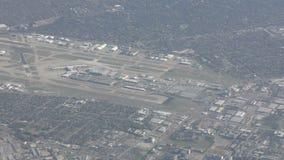 Vue aérienne d'aéroport de Dallas Fort Worth banque de vidéos