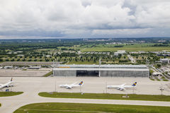 Vue aérienne d'aéroport international de Munich Photos stock