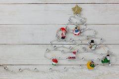 Vue aérienne d'arbre de Joyeux Noël avec le fond de concept de décorations Image libre de droits