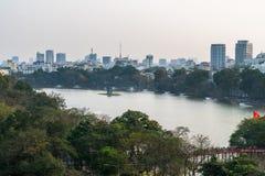 Vue aérienne d'horizon de lac Hoan Kiem ou de Ho Guom, lac sword Hoan Kiem est centre de ville de Hanoï Paysage urbain de Hanoï Images libres de droits