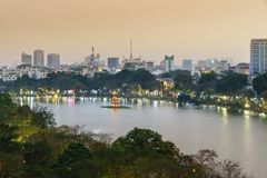 Vue aérienne d'horizon de lac Hoan Kiem ou de Ho Guom, lac sword Hoan Kiem est centre de ville de Hanoï Paysage urbain de Hanoï Image stock