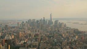Vue aérienne d'horizon de New York City Manhattan banque de vidéos