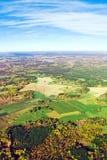 Vue aérienne d'horizontal rural sous le ciel bleu Photographie stock