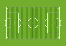 Vue aérienne d'un terrain de football dessiné avec la ligne blanche sur le fond vert Photos stock