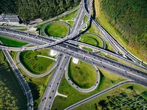 Vue aérienne d'une intersection massive de route de route dans la ville de Moscou, Russie Images libres de droits