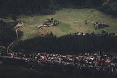Vue aérienne d'une ville de montagne dans le Colorado Images libres de droits