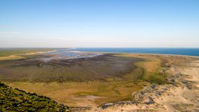 Vue aérienne de baie de Bonne Anse en La Palmyre images stock