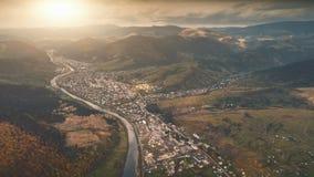Vue aérienne de beau paysage de montagne d'automne Image libre de droits