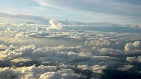 Vue aérienne de belle soirée du cloudscape banque de vidéos