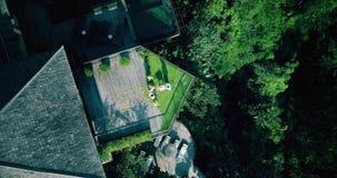 Vue aérienne de bourdon de cérémonie de mariage à l'hôtel de luxe Bali banque de vidéos