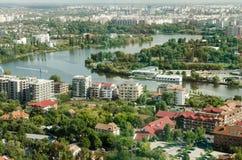 Vue aérienne de Bucarest de parc Herastrau Photos libres de droits