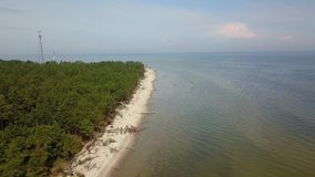 Vue aérienne de cap Kolka, mer baltique, Lettonie clips vidéos