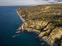 Vue aérienne de capo Vaticano, Calabre, Italie Ricadi Côte des dieux Plages Promontoire de la côte calabraise photo stock
