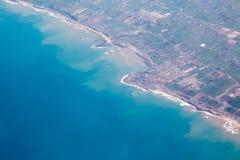 Vue aérienne de Casablanca sur la côte avec l'océan Image libre de droits