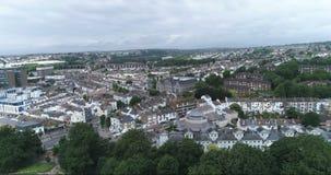 Vue aérienne de chariot de la partie du nord de la ville de Brighton England banque de vidéos