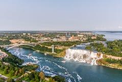 Vue aérienne de chutes du Niagara, automnes d'Américain Photos libres de droits