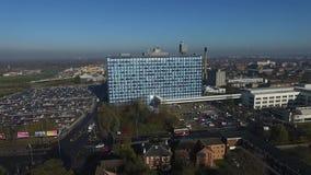Vue aérienne de confiance de NHS d'hôpitaux d'enseignement d'université de coque banque de vidéos