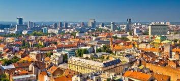 Vue aérienne de dessus de toit d'horizon de Zagreb Photographie stock libre de droits