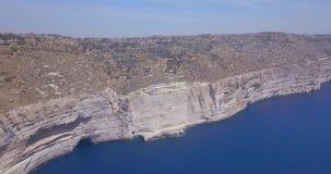 Vue aérienne de falaise de nature sauvage de Malte clips vidéos